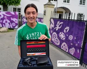 Monster Inspiration Headbands für Mesut Özil